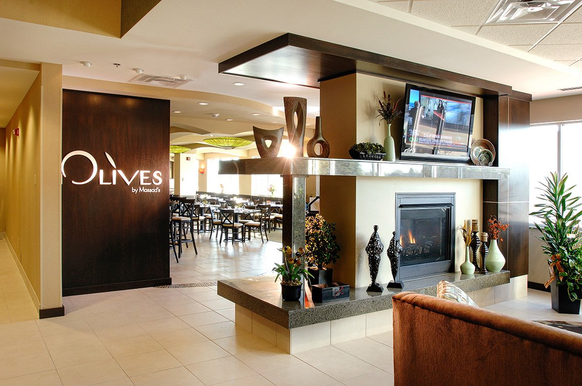 Interior hospitality image of Olives restaurant in The Hilton of Mankato MN