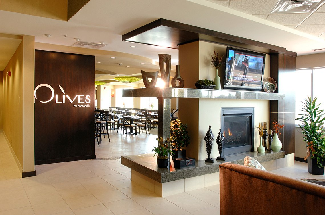 Architectural photo of a hotel lobby in Mankato, MN