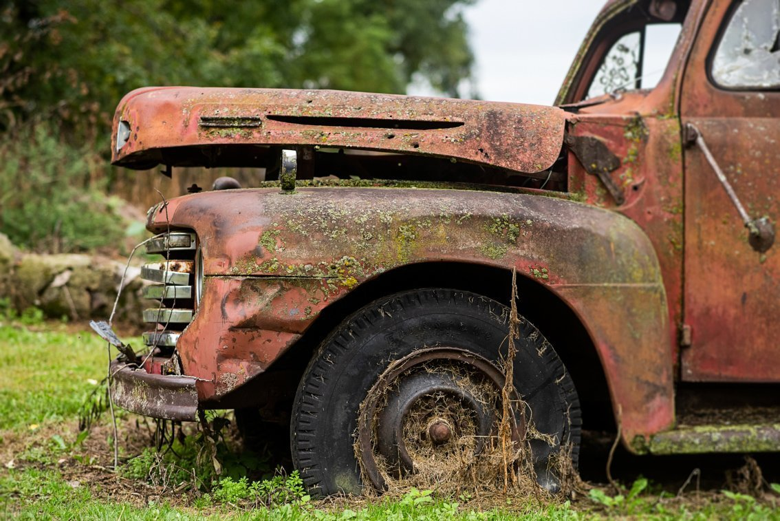 side front of rusted Ford F1