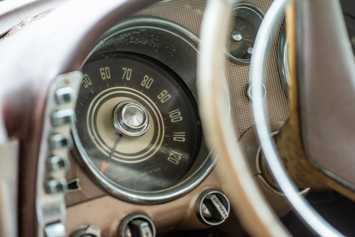 spedometer of Chevrolet Imperial